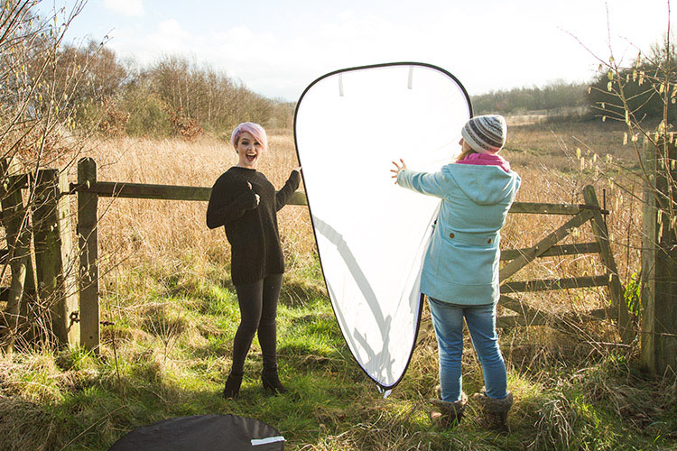 Review: Lastolite 6×4 Foot Panelite Collapsible Reflector with Translucent Diffuser